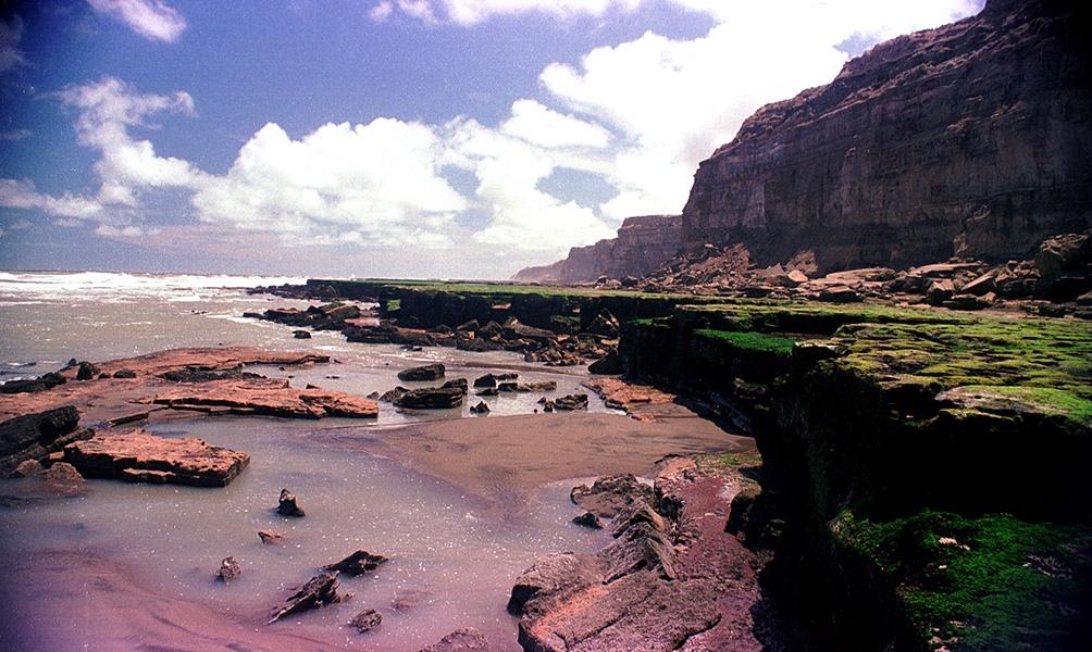La Lobería Punta Sur, un apostadero con mil ejemplares de lobos marinos, es otro de los atractivos naturales.