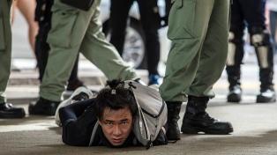 """China dice que la reforma electoral en Hong Kong es un """"puñetazo"""" para acabar con el caos"""