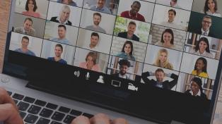 Dos de cada diez grupos de Alcohólicos Anónimos siguen funcionando por videoconferencia