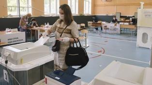 Rusia votó en el plebiscito que define el futuro político de Putin