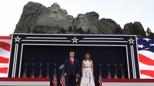 Del coronavirus a las protestas, Trump convirtió el Día de la Independencia en un acto de campaña