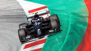"""Bottas, sobre el final, se quedó con la """"pole"""" en Silverstone"""