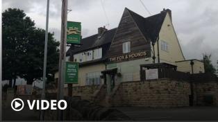 Detectan casos de coronavirus en varios pubs de Inglaterra tras su reapertura