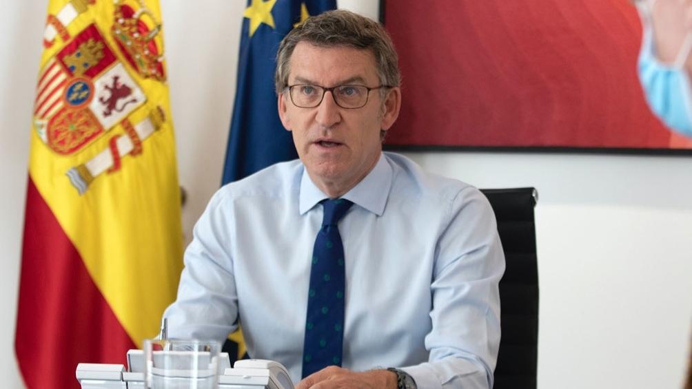 El conservador Alberto Núñez Feijóo, a quien los sondeos pronostican un triunfo absoluto