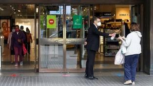 Cataluña obligará a usar barbijo en las calles ante previsión de más contagios