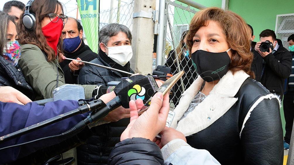 El aumento de contagios obligó a la gobernadora de Río Negro a dar marcha atrás en los planes de apertura de corredores turísticos internos.