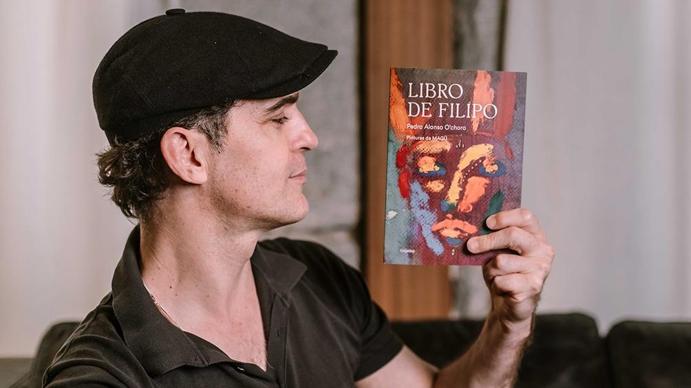 El actor nacido en Vigo, también es pintor y escritor.