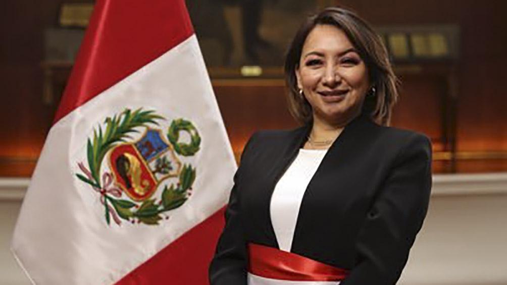La ministra Rocío Barrios estará de licencia al menos hasta el 23 de julio.