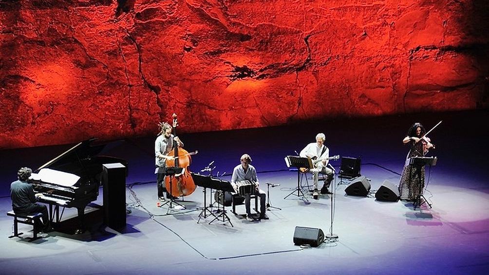 """""""La música en vivo es irremplazable"""", las emocionadas palabras de Mercadante."""