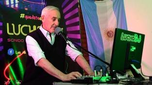 Un DJ formoseño es un éxito pasando música por Facebook para acompañar en cuarentena