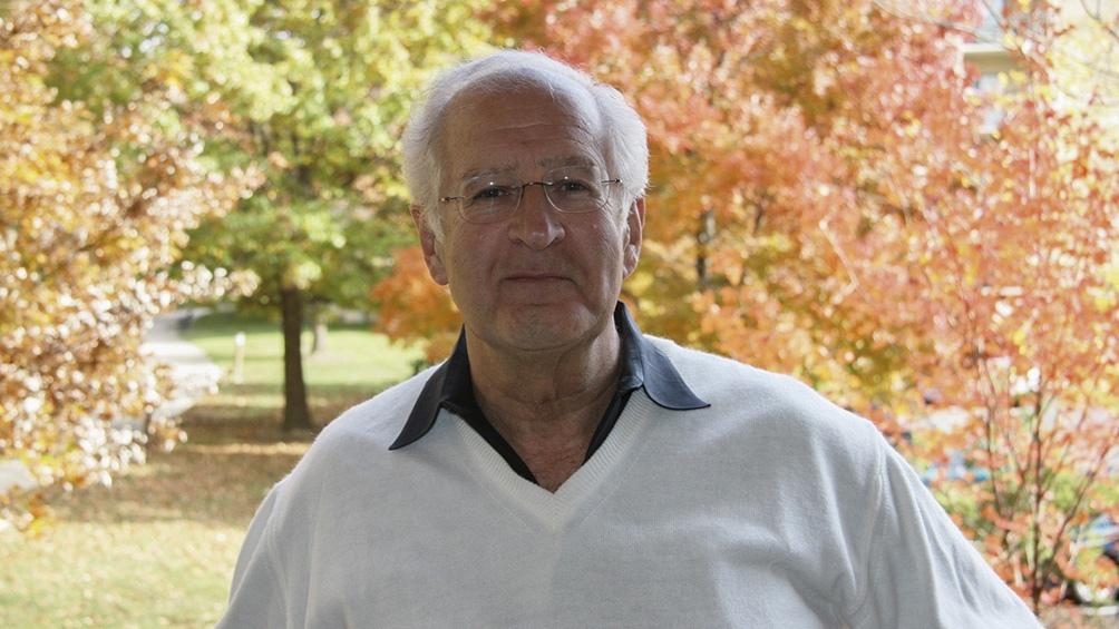 Sosnowski es profesor titular de literatura y cultura latinoamericana de la Universidad de Maryland.