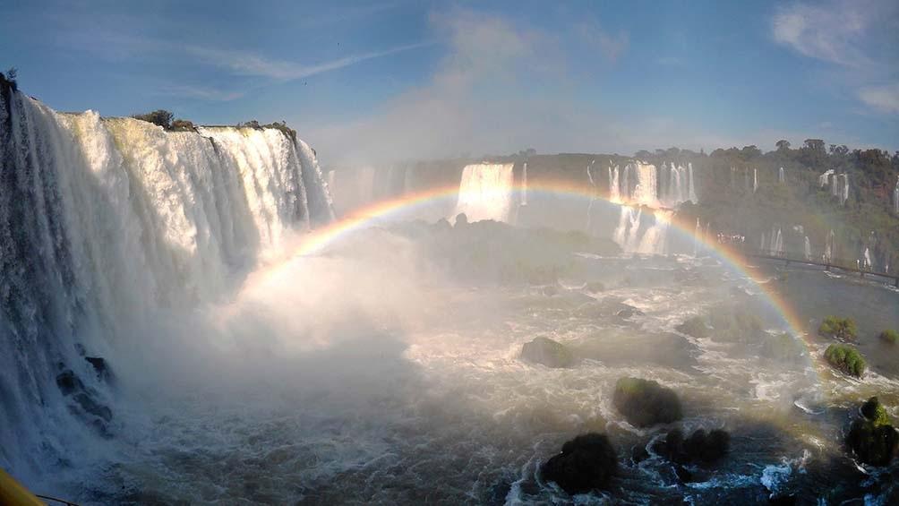 La actividad turística es exclusivamente para residentes de la provincia de Misiones y Corrientes.