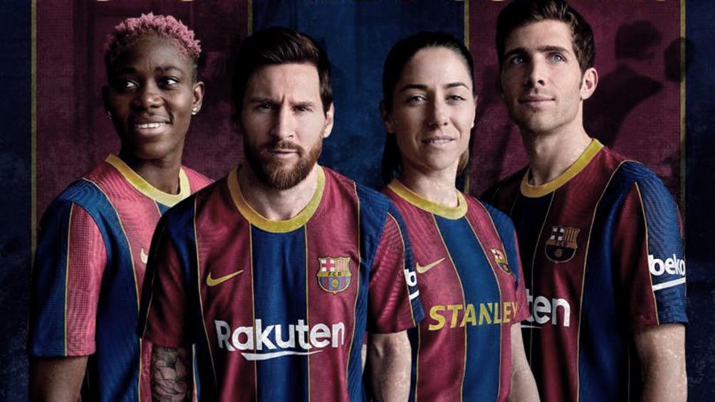 Barcelona presenta la camiseta que usará en la próxima temporada