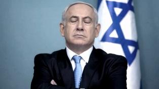 Un mes después de ser sustituido, Netanyahu finalmente abandonó la residencia oficial