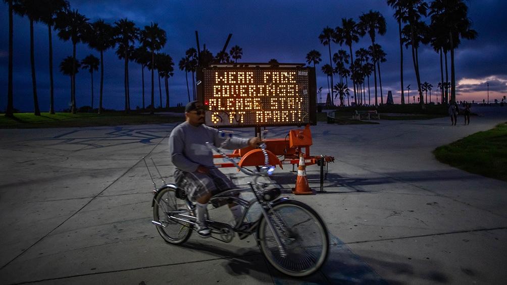 Los Ángeles y San Diego ya advirtieron esta semana que las clases continuarán siendo a distancia desde septiembre.