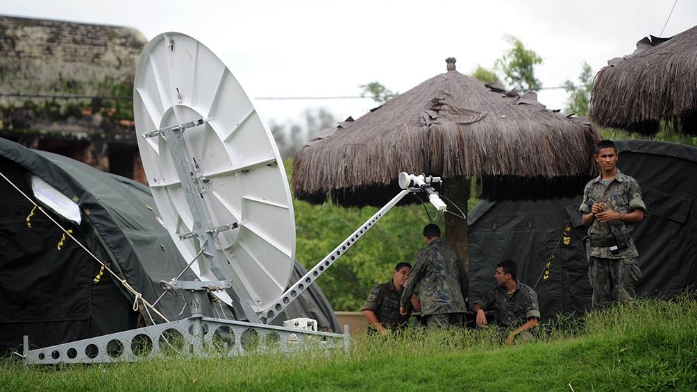 """Las Fuerzas Armadas de Brasil se preparan para intervenir en la """"solución"""" de problemas regionales."""