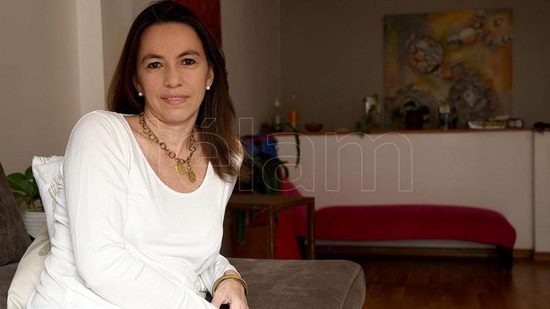 """Victoria Giarrizo: """"El Estado debe ser la locomotora de recuperación de un sector privado fundido"""""""