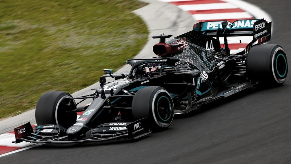 Hamilton había largado primero, tras logras ayer la 90º pole position de su carrera.