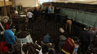 El Gobierno paga hoy el bono a trabajadores de comedores y merenderos populares