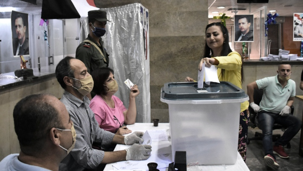Se votó en las zonas controladas por el Gobierno