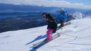 El Cerro Catedral abre sus puertas a esquiadores residentes y el Perito Moreno y La Hoya se preparan
