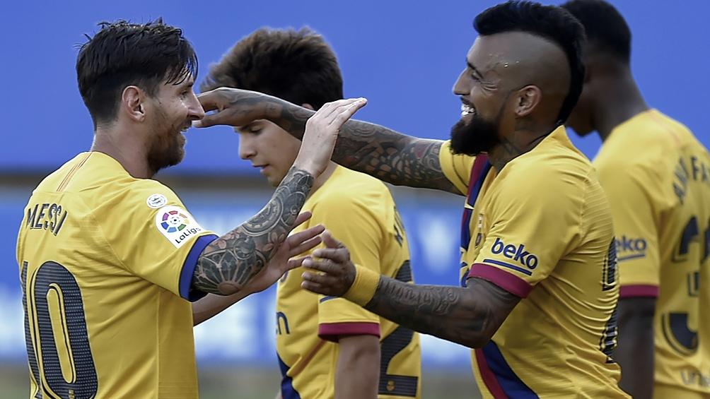 Messi metió dos tantos en el 5 a 0 contra el Alavés.