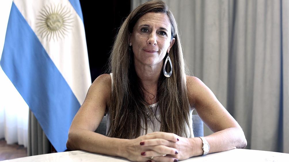 """La subsecretaria de Economía del Conocimiento, María Apólito, resaltó que """"en una situación sanitaria tan crítica las soluciones deben surgir de un trabajo coordinado entre el sector privado y los ministerios de Desarrollo Productivo y de Salud""""."""