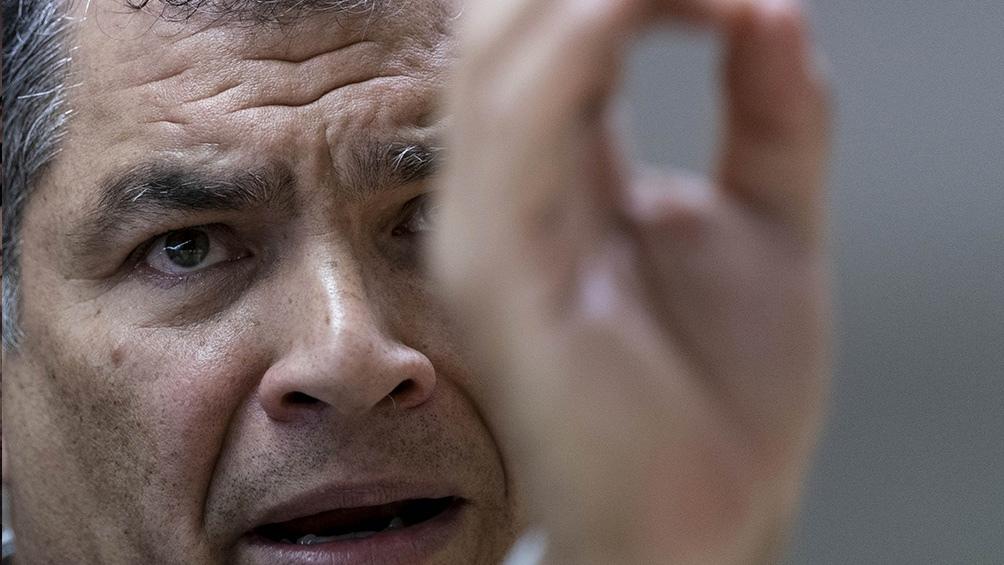"""El juez le dio la razón a Correa y concluyó que la resolución del organismo electoral """"vulnera los derechos de organización política de miles de ciudadanos""""."""