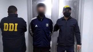 El joven se entregó pasadas las 0.30 de esta madrugada en la sede de la DDI Quilmes.