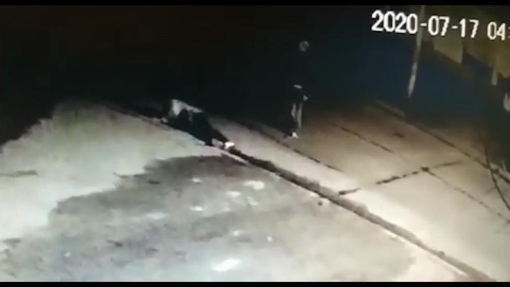 Las imágenes muestran a Ríos y a Franco Ferreyra, a 6o metros de la casa que fue robada.