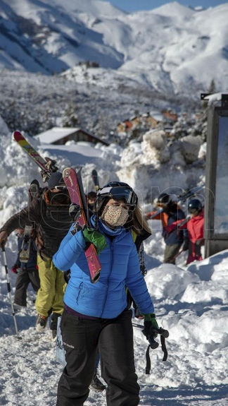 El esquí, un deporte seguro en tiempos de pandemia.