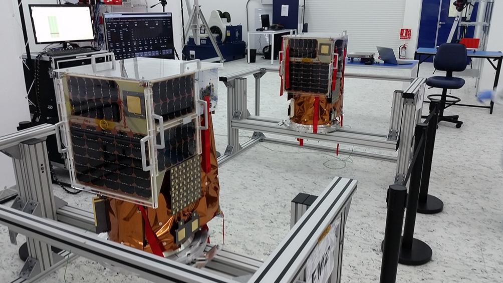 Los 10 satélites que la compañía lanzará en octubre son los primeros construidos en serie.