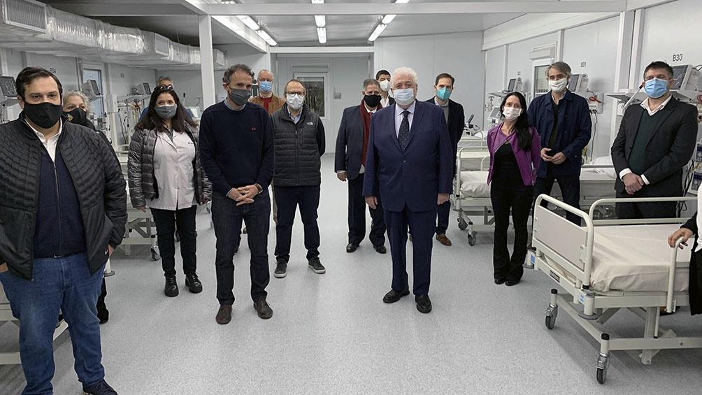 Este hospital cuenta con 12 unidades de terapia intensiva con respirador y 26 camas con oxígeno