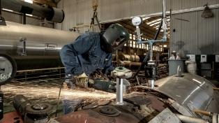 Anuncian rebajas de los derechos de exportación industrial y mayores reintegros