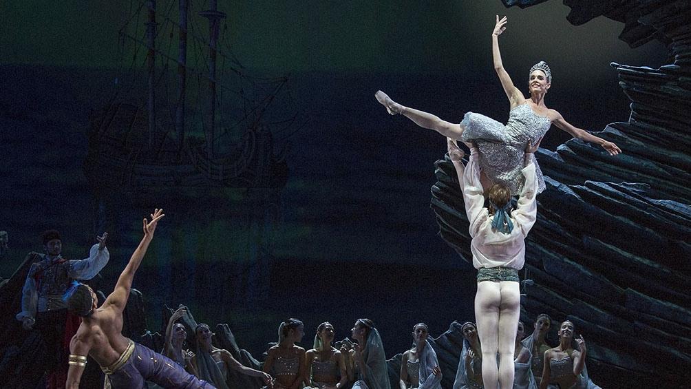 La primera bailarina Nadia Muzyca protagonizó la función que se verá el domingo junto con su compañero Federico Fernández.