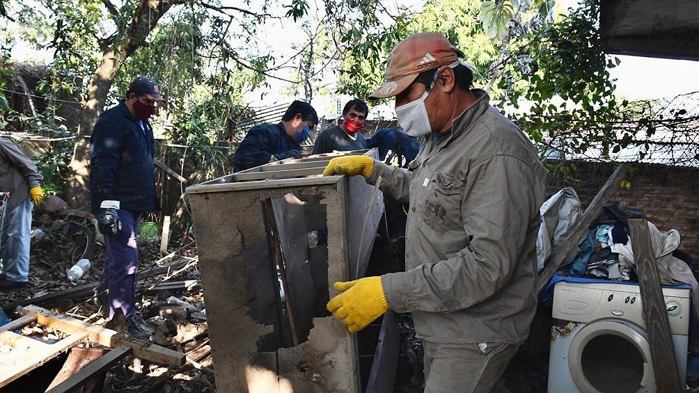 """Formosa y los habituales operativos para """"descacharrizar"""" y evitar que se acumule agua."""