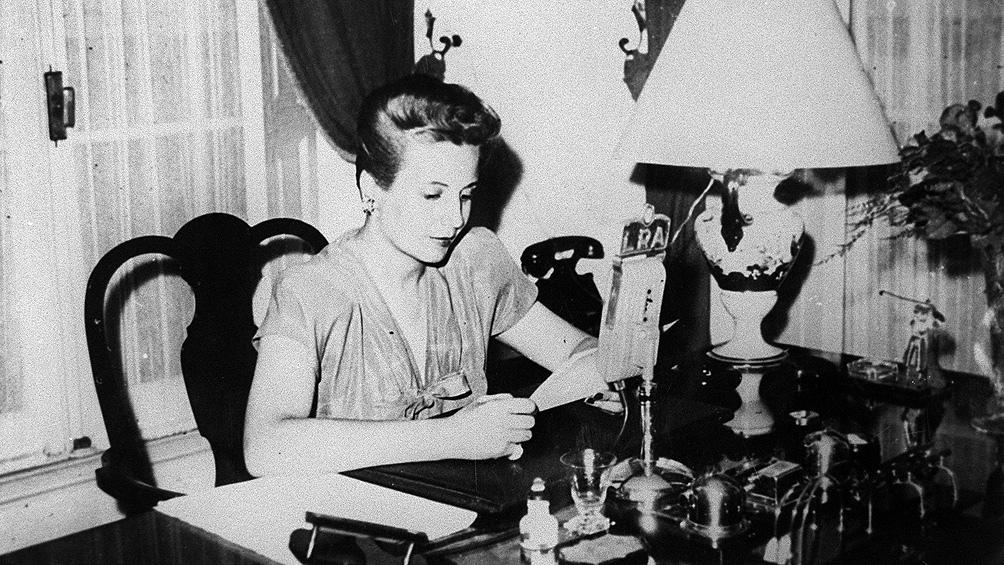 En un nuevo aniversario de su muerte, Canal Encuentro presenta un especial sobre Eva Perón.
