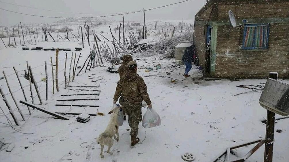 Fuertes nevadas en la Patagonia y problemas de infraestructura