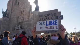 Movilización en Rosario en reclamo de justicia por el femicidio de Julieta Delpino