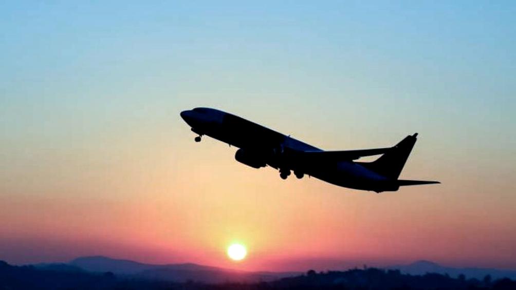 Las líneas aéreas sufrieron en junio una merma de pasajeros del 96,6% interanual