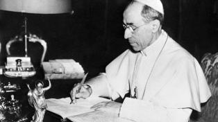 Documentos desclasificados muestran que Pio XII ayudó a judíos durante el nazismo