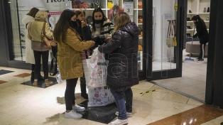 Comprueban medidas sanitarias para la reapertura de los centros comerciales porteños