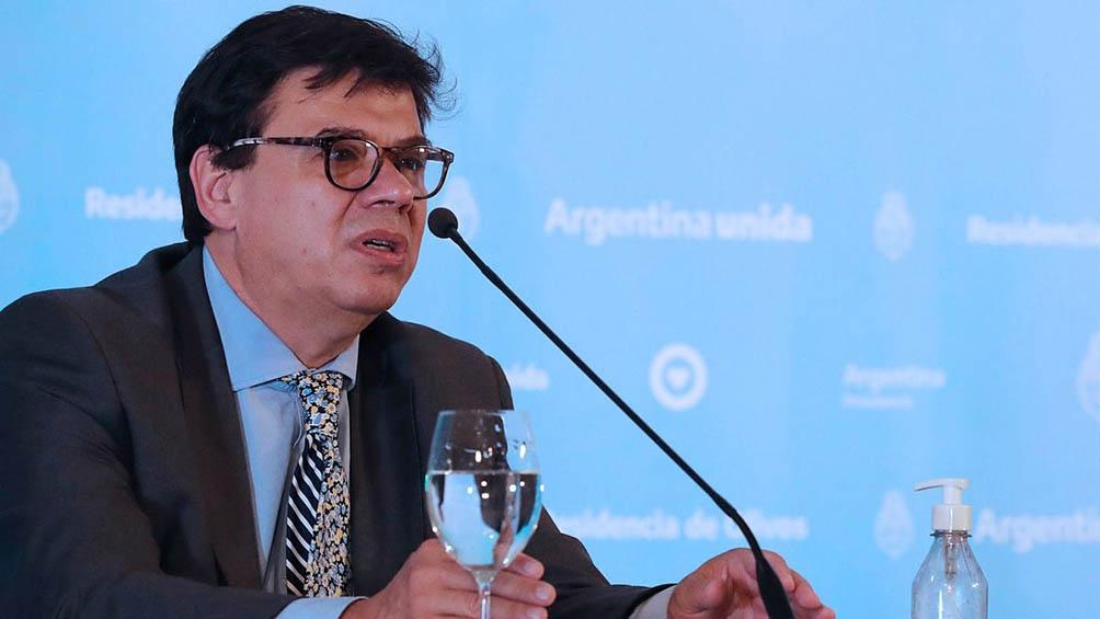 El ministro de Trabajo dijo que se justificarán inasistencias para adultos a cargo de menores