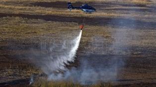 El Ministerio de Seguridad continúa la asistencia para sofocar los incendios en las islas del Paraná