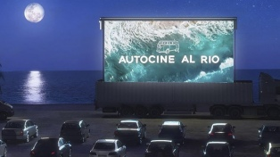 El primer autocine del AMBA realizó una avant premiere en cuarentena