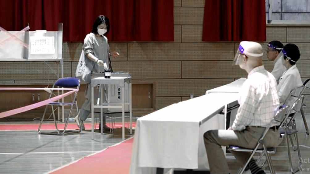 Tras la salida del primer ministro Abe, los japoneses van a las urnas
