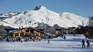 El centro de esquí más austral del mundo, Cerro Castor, abrirá su temporada el sábado