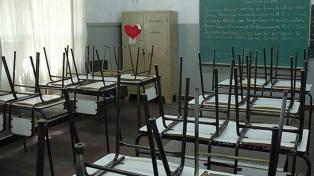 Cuatro sindicatos docentes porteños y uno bonaerense paran en reclamo de suspensión de clases presenciales