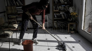 Afirman que las tareas domésticas y de cuidados no remunerados aportan 15,9% del PIB