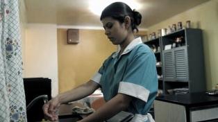 """""""Hay que humanizar el trabajo"""" de las empleadas de casas particulares, afirmó una funcionaria de la ONU"""